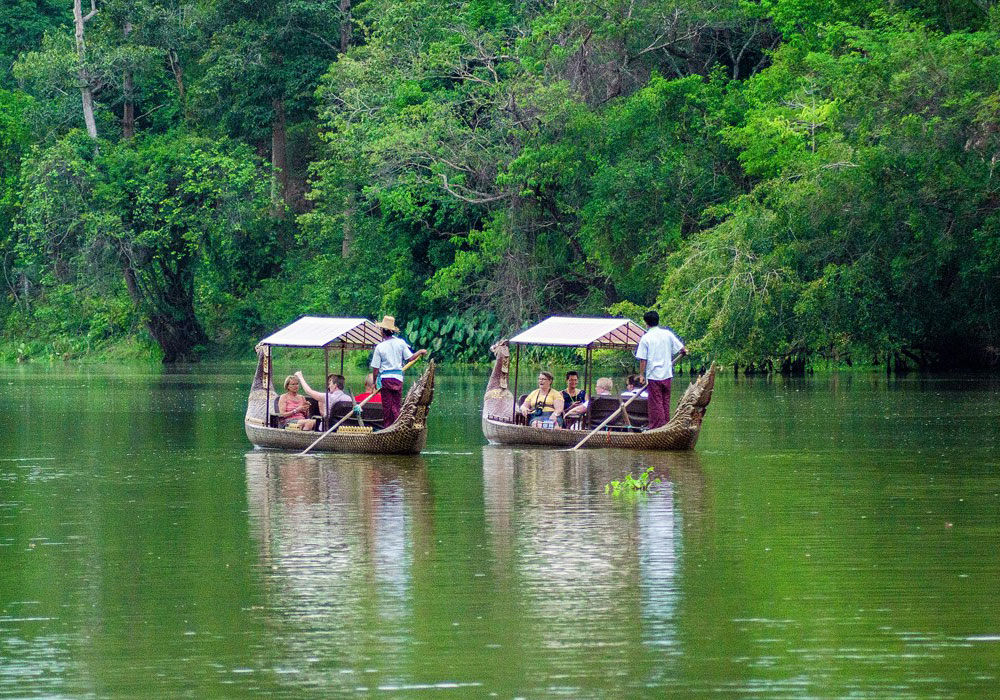 Boat tour in siem reap